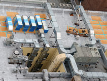 Система HVAC на крыше здания стоковые изображения rf