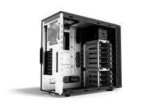 Системный блок металла пустого 3d черноты персонального компьютера представляет на белой предпосылке с тенью иллюстрация штока