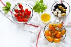 Сицилийские красные и желтые томаты вишни, Стоковые Фотографии RF
