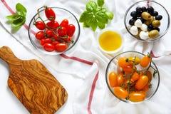 Сицилийские красные и желтые томаты вишни, Стоковое Изображение RF