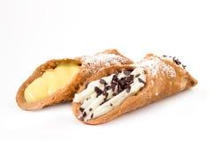 Сицилийские cannolis с шоколадом и сливк Стоковые Изображения RF