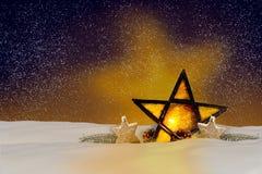 Сияющая звезда рождества на ноче Стоковая Фотография RF