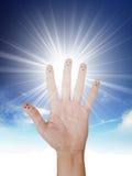 Сияющее солнце на ясном голубом небе Стоковое фото RF