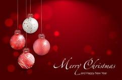 Сияющие шарики рождества на красной предпосылке - месте для вашего текста Стоковые Фотографии RF