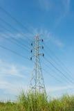 Силовой кабель электричества напряжения тока высоты Стоковые Фото