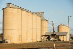 Силосохранилища зерна Temora NSW стоковая фотография rf