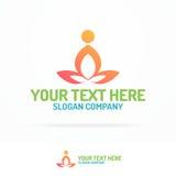 Силуэта состоять из логотипа студии йоги человек установленного тренируя для Стоковые Изображения RF