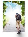 Силуэты туристов и красивого ландшафта Стоковые Изображения