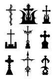 Силуэты ужаса установленных крестов кладбища Стоковое Изображение