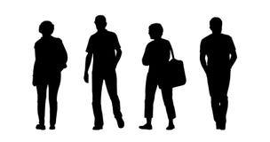 Силуэты людей и женщин среднего возраста идя внешние установили 1 иллюстрация вектора