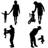 Силуэт вектора людей с детьми Стоковые Изображения RF
