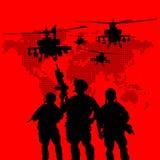 Силуэт воинских солдат стоковые фото