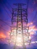 Силуэт высоковольтных башен передачи Стоковая Фотография RF