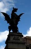 Силуэт горгульи в Лондоне Англии Стоковые Изображения RF