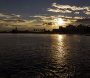 Силуэт захода солнца в Manfredonia - Gargano Стоковые Изображения