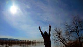 Силуэт и небо человека Стоковое Изображение RF