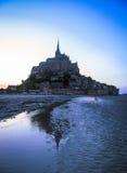 Силуэт ночи держателя St Michael, Франции Стоковые Фото