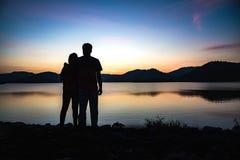Силуэт пар на лагуне Стоковое Фото
