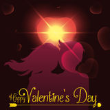 Силуэт пар с пирофакелом сердца и накаляет на день валентинки, иллюстрация вектора Стоковые Фотографии RF