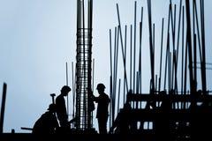 Силуэт рабочий-строителя Стоковые Изображения RF