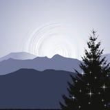 Силуэт рождественской елки на предпосылке горы иллюстрация штока