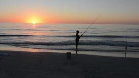 Силуэт рыболовства человека видеоматериал