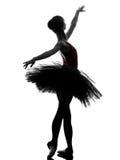 Силуэт танцев артиста балета балерины молодой женщины Стоковая Фотография RF