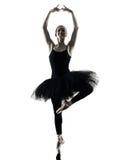 Силуэт танцев танцора балерины изолированный женщиной Стоковые Изображения