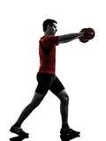 Силуэт тренировки работая веса человека Стоковое Изображение