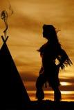Силуэт дуть платья женщины коренного американца Стоковые Фото