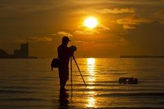 Силуэт фотографа стоковые фотографии rf
