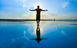 Силуэт человека йоги Стоковое Фото