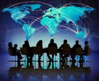Силуэт людей встречая концепции глобального бизнеса Стоковые Изображения RF