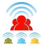 Силуэт людей с беспроволочной информационной сетью интернет, комплект Стоковая Фотография RF