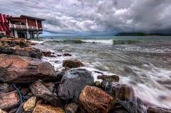 Сильная волна и драматические облака Стоковое Изображение RF