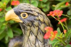 Сильная статуя птицы Стоковое фото RF