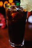 Сильные коктеиль или лимонад спирта с украшением Стоковые Фотографии RF