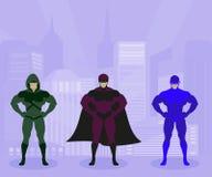 Сильные люди в костюмах защищают город Стоковая Фотография RF