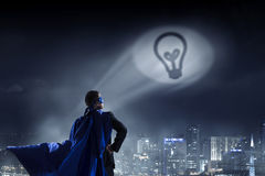Сильный и мощный как супергерой Мультимедиа Стоковые Фото