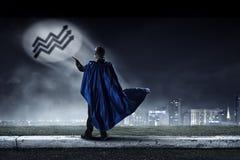 Сильный и мощный как супергерой Мультимедиа Стоковые Изображения