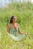сидя женщина Стоковая Фотография RF
