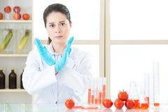 Скажите нет к генетической еде gmo изменения, оно не здоровый Стоковые Фотографии RF
