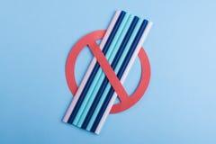 Скажите нет к пластиковым соломам стоковое изображение