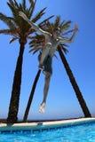 Скакать в бассейн Стоковая Фотография RF