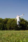скакать девушки Стоковая Фотография RF