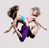 Скакать девушок Стоковое фото RF