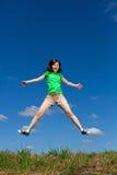 скакать девушки напольный Стоковое фото RF