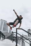 Скакать прямо над всеми препятствиями Стоковая Фотография RF