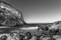 Скала на накидке Schanck и океане стоковая фотография