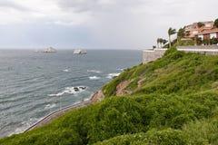скала самонаводит океан Стоковая Фотография